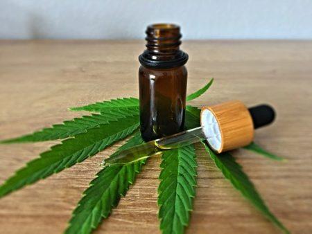 Cosmétiques naturels à base d'huile de cannabis